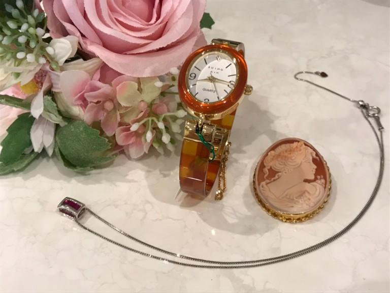 貴金属製品、時計をお持ちの方!
